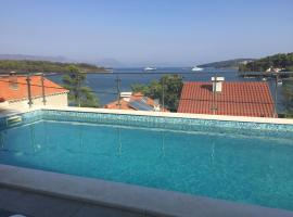 Apartments Danijela, pet-friendly hotel in Lumbarda