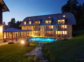 Ferien Residenz Bergfried, golf hotel in Hinterzarten