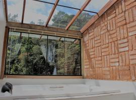 Pousada Sitio e Poesia, hotel with pools in Teresópolis