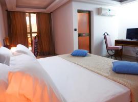 Résidence Théresia, hotel in Lomé