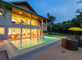 Viola Pool Villa, villa in Rawai Beach