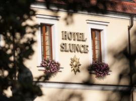 Hotel Slunce, hôtel à Uherské Hradiště