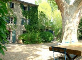 Maison d'hôtes Campagne-Baudeloup, hotel near Provence Country Club Golf Course, L'Isle-sur-la-Sorgue