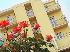 Hotel Villa Aurora, отель в Беллария-Иджеа-Марина