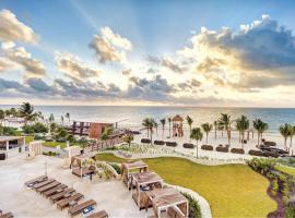 Hideaway at Royalton Riviera Cancun Adults Only - All Inclusive, poilsio kompleksas mieste Puerto Morelos