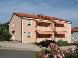 Apartments Estee Soline, hotel in Soline
