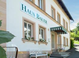 Hotel Haus Bauer, hotel a Bad Berneck im Fichtelgebirge