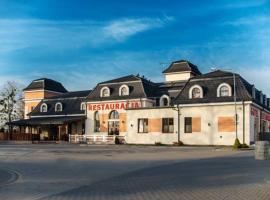 Vanilla House – hotel w pobliżu miejsca Radom-Sadkow Airport - RDO w mieście Zwoleń