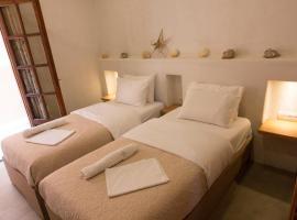 Ilias Apartments, hotel near Platanias Square, Platanias