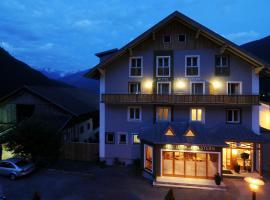 Hotel Tauernstern, Hotel in der Nähe von: Zettersfeldbahn, Winklern