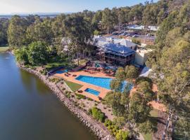Oaks Cypress Lakes Resort, hotel in Pokolbin