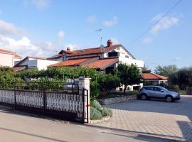 Franko Apartmani, hotel in Zambratija
