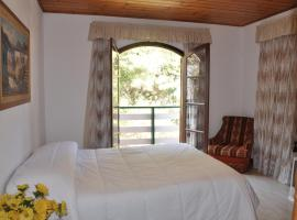 Hotel Vila Regina, hotel near Baden Baden Beer House, Campos do Jordão