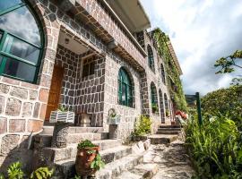 Eco Hotel Uxlabil Atitlan, hotel in San Juan La Laguna