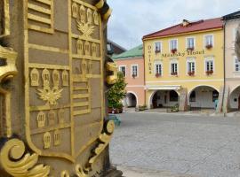 Městský Hotel Dorinka, hotel v Hostinném