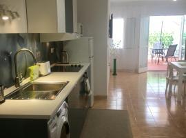 Spirit Los Boliches Apartment for 10 person, lägenhet i Fuengirola