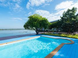 Baan Talay See Cream Resort, hotel in Samut Songkhram