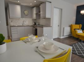 Charming 1 bed riverside apartment, hotel near Grosvenor Museum, Chester