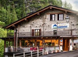 Rifugio Lou Lindal, hotel in Canosio