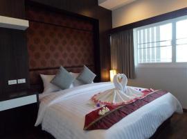Phanhin 304 (R1), hotel in Si Maha Phot