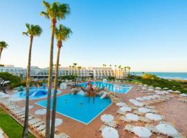 Iberostar Royal Andalus, hotelli kohteessa Chiclana de la Frontera lähellä maamerkkiä Playa La Barrosa -ranta