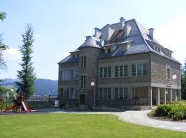 Rezydencja Prezydenta RP Zamek w Wiśle – hotel w pobliżu miejsca Skocznia narciarska Wisła-Malinka w Wiśle