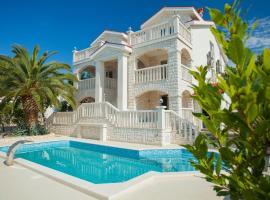 Villa Drinka Apartments, hotel in Vela Luka