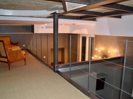 Carducci 2 - Charming & Cozy Apartment, hotel near Santa Maria delle Grazie, Milan