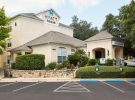 Hyatt House Austin Arboretum, hotel in Austin