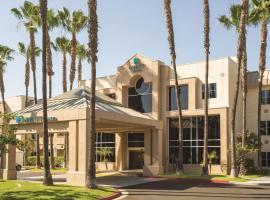 Hyatt House Cypress / Anaheim, hotel u blizini znamenitosti 'Disneyland' u gradu 'Cypress'
