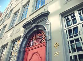 Small Luxury Hotel De Witte Lelie, hotel in Antwerp