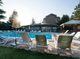 Hotel Bavaria, hotel in Levico Terme