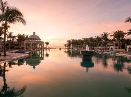 Iberostar Grand Paraiso, Resort in Puerto Morelos