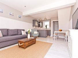 Coastguard Cottage, pet-friendly hotel in Bournemouth