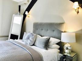 The Star And Eagle Hotel, hotel near Sutton Valence Castle, Goudhurst