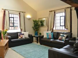 OYO Approved Serviced Apartments Steam Mill, hotel near Beeston Castle, Chester