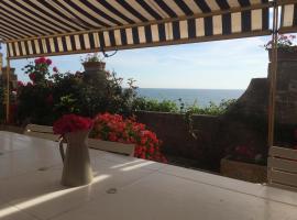 Anzio a picco sul mare!, family hotel in Anzio