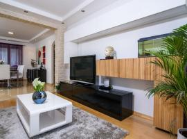 Apartments Gea, hotel with jacuzzis in Trogir