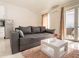 Apartmani Marija Jakir, pet-friendly hotel in Brela