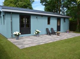 Mooi nieuw houten huisje, hotel near Havelte Golfclub, Havelte