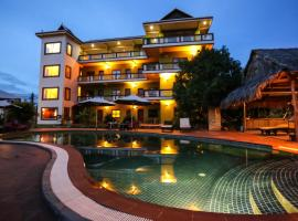 Two Moons Hotel, hotel in Kampot