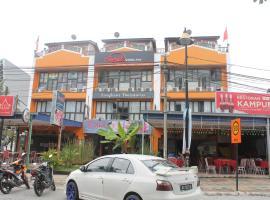 Sweet Monkey Backpacker Hostel, hostel in Pantai Cenang