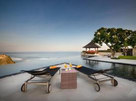 Villa Karang Kembar 3, hotel 5 estrellas en Uluwatu