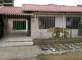House Tony e Maria, hotel near Atalaia Park, Itajaí