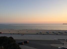 Oporto beach apartment, ξενοδοχείο κοντά σε Sea Life Porto, Matosinhos