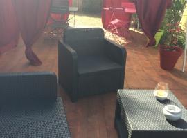 Chambre indépendante, hôtel à Villecroze