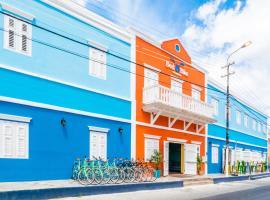 Bed & Bike Curacao, hotel perto de Queen Emma Bridge, Willemstad