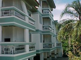 Residencial Baia Blanca, hotel near Ponta das Canas Beach, Florianópolis