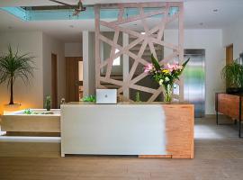 Opal Suites Apartments, hotel in Playa del Carmen