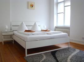 Rooms & Apartment near Zoologischen Garten, vandrerhjem i Berlin